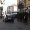 Ubriachissimo in via Garibaldi, ci vuole l'ambulanza