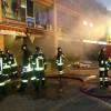 I pompieri di Saronno in prima linea per spegnere il maxi incendio di Mozzate