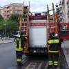 Gattino bloccato sul tetto a Cislago: lo salvano i pompieri