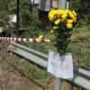 """Margherite gialle e un commosso """"Ciao Annina"""" sul luogo della tragedia"""