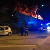 Fiamme sulla Varesina, brucia deposito di integratori alimentari