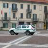 Ubriaco a zonzo in piazza Libertà, ci vuole l'ambulanza