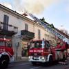 Incendio via San Giuseppe, tornano i pompieri: ancora fumo