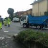 Schianto in provinciale: motorino contro camion dei rifiuti