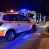 Moto travolge una bicicletta sulla Varesina: 3 feriti