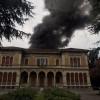 Fiamme a Villa Gianetti: maxi colonna di fumo