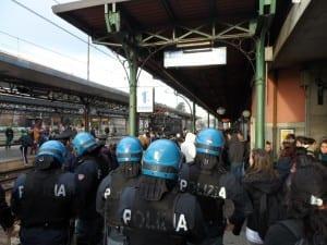 corteo studenti polizia