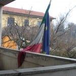 bandiere sgualcite tribunale