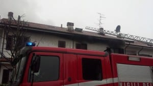 incedio villetta pompieri carabinieri (4)