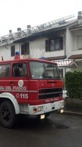 incedio villetta pompieri carabinieri (5)