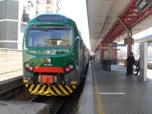 binario tronco stazione treno banchina