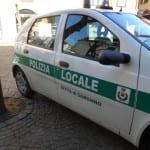 polizia locale auto vigili piazzetta Schuster (5)