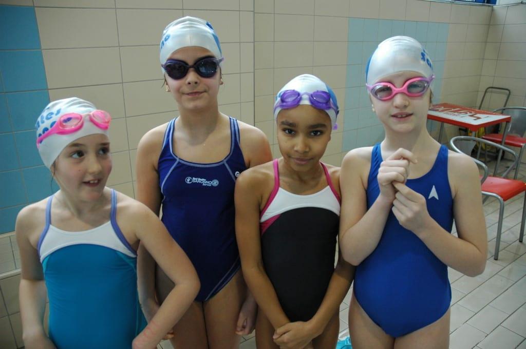 Trecento cinquanta baby nuotatori all ottavo saronno famosi ilsaronno - Piscina di mozzate ...