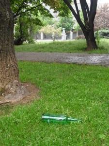 alcolici centro piazza de gasperi rifiuti (1)