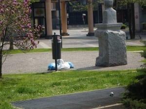 degrado piazza degasperi (1)