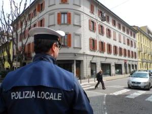 polizia locale via Carcano vvu (2)