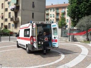 05052013 ambulanza matteotti chiesa (3)