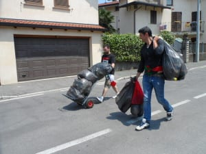 18062013 luciano silighini spazzatura secondo tour (6)