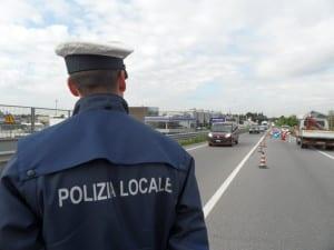 polizia locale viale lombardia vvu vigili (3)