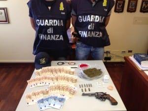 09072013 guardia finanza droga