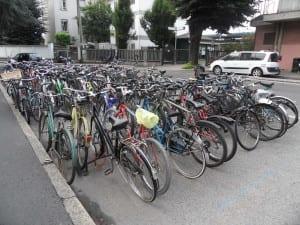biciclette rastrelliere stazione