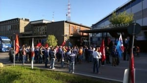 protesta operai riva caronno (1)