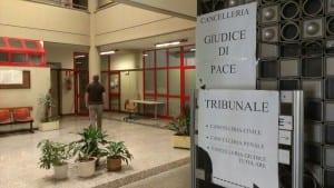 tribunale  cartelli chiusura(10)