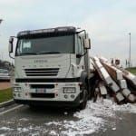 01102013 camion perde carico (2)