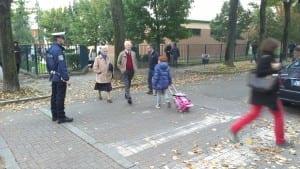 polizia locale vvu attraveramento pedonale servizio scuole saronno