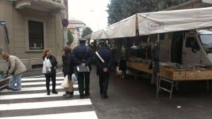 saronno mercato carabinieri (1)
