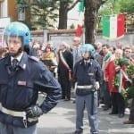 250402014 tensioni in piazza 25 aprile saronno (1)