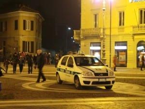 polizia locale notte piazza libertà