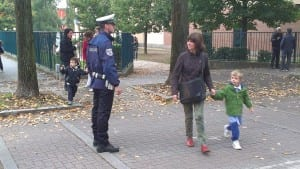 polizia locale davanti alle scuole pizzigoni via parini (4)