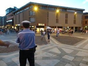 polizia locale sera piazza libertà (4)