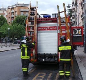 pompieri saronno vvf apertura porta