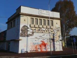 01112014 telos rioccupato vernice su graffito (10)