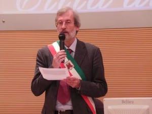 22112014 saronno conferisce la cittadinanza italiana simbolica sindaco porro(10)