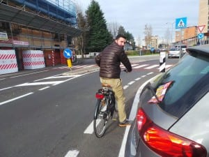 10122014 romanò prova la ciclabile di via Varese (4)