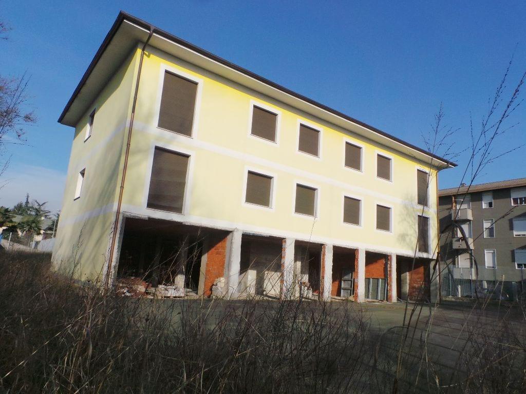 09012014 caserma carabinieri uboldo (3)