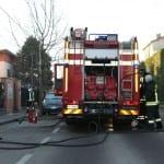 10022015 incendio carono pertusella via 25 apirle (5)