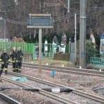 22022015 caronno pertusella stazione investito treno (15)