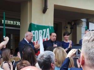 18052015 berlusconi comizio piazza saronno (12)