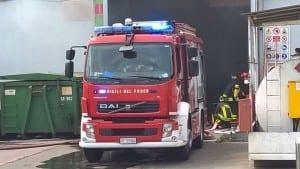26072015 incendio misinto azienda vigili del fuoco saronno (8)