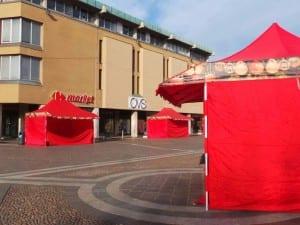 15122015 tende rosse per ospitare associazioni