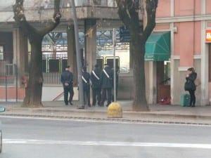 photo_2015-12-09_02-04-48 carabinieri in stazione