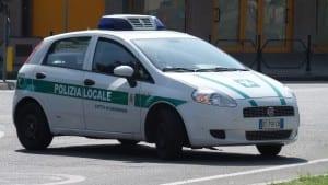polizia locale pattuglia via novara