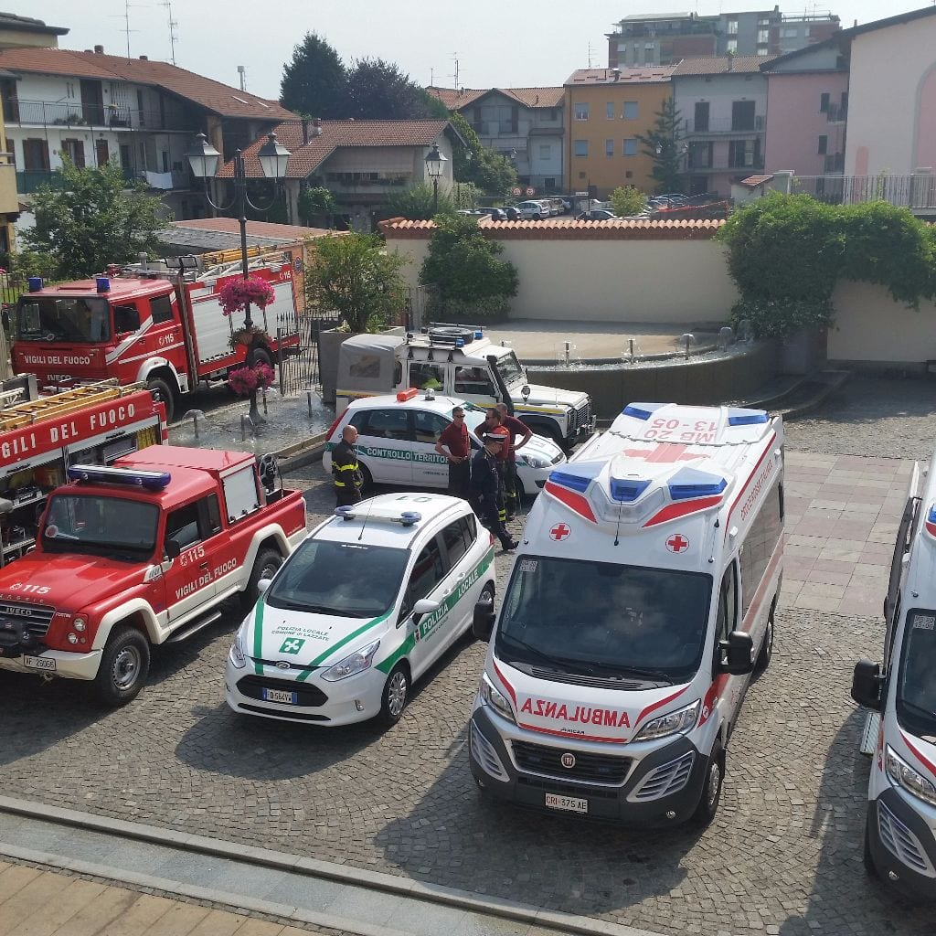 misinto lazzate ambulanze croce rossa