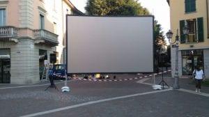 schermo piazza libertà italia irlanda del nord