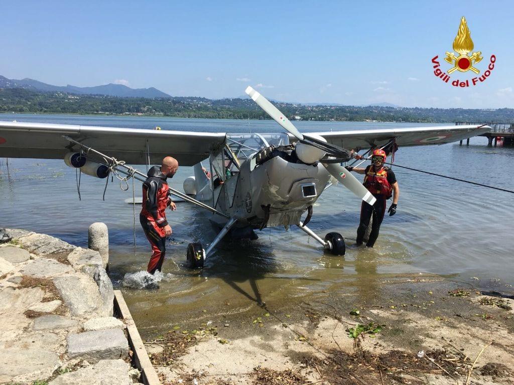 Spettacolare Recupero Dell Aereo Caduto Nel Lago Ilsaronno